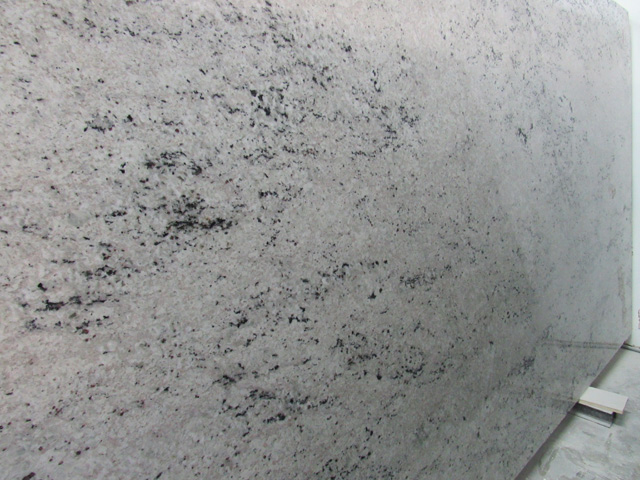 granite-colonial-white-02