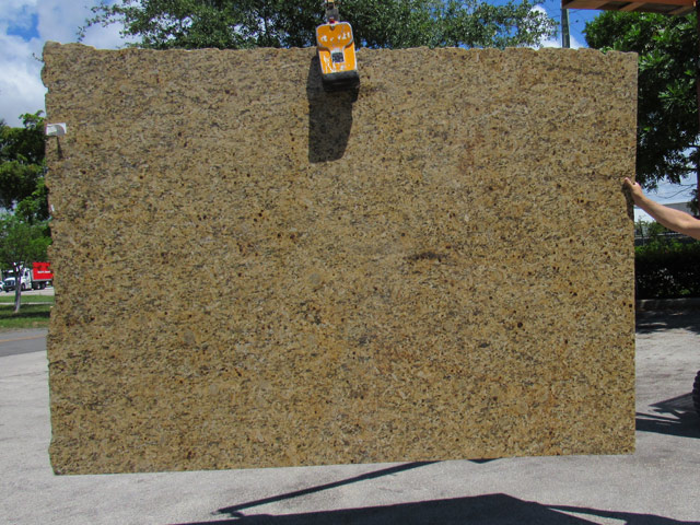 granite-new-venetian-gold-03