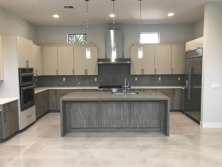 modern-kitchen-gray-and-white-quartz-boca-raton