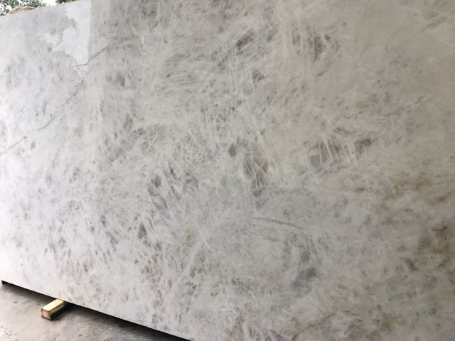 quartzite cristallo royal level 4
