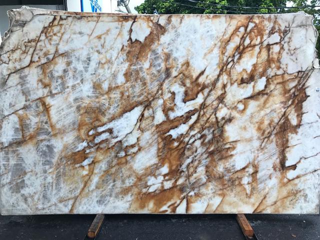 quartzite lumix level 3